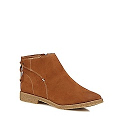 Mantaray - Tan suedette 'Melania' ankle boots