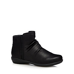 Good for the Sole - Black creased wide fit ankle boots