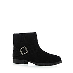 Mantaray - Black suede ankle boots