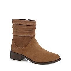 Mantaray - Tan leather mid block heel ankle boots