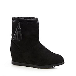 Mantaray - Black faux fur lined ankle boots