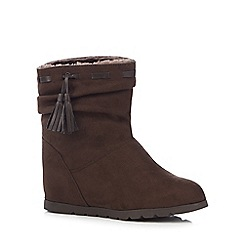 Mantaray - Dark brown faux fur lined ankle boots
