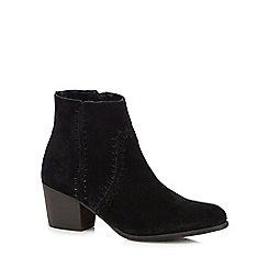 Mantaray - Black leather mid block heel ankle boots