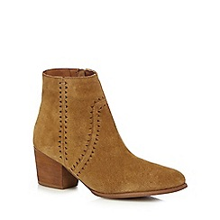 Mantaray - Tan leather mid block heel ankle boots