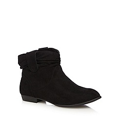 Mantaray - Black ruched ankle boots