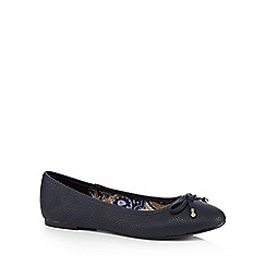Mantaray - Navy casual embossed bow ballet pump