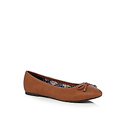 Mantaray - Tan casual embossed bow ballet pump