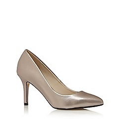 Red Herring - Silver metallic textured pointed high court shoes