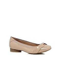 Good for the Sole - Natural patent wide fit pumps