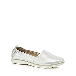 Good for the Sole - Silver 'Gina' wide fit pumps