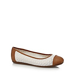 Good for the Sole - White 'Gabrielle' slip-on wide fit shoes