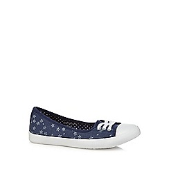 Mantaray - Navy canvas slip on shoes