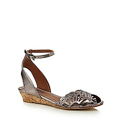 Mantaray - Metallic 'Mel' ankle strap sandals