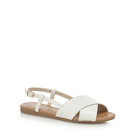 Red Herring - White +Hugh+ wide fit slingback sandals