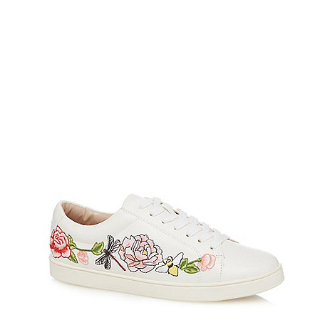Nine by Savannah Miller - White embroidered lace up trainers