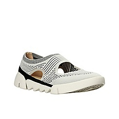 Clarks - Light grey combi 'tri blossom' slip-on