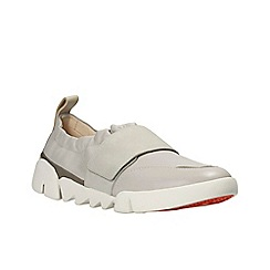 Clarks - Light grey lea 'tri gardenia' slip-on