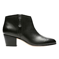 Clarks - Black 'maypearl daisy' ankle boots