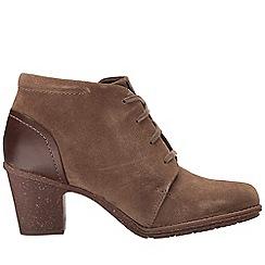 Clarks - Tan 'Sashlin Sue' ankle boots