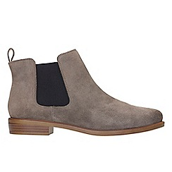 Clarks - Taupe suede 'Taylor Shine' ankle boots