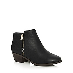 Call It Spring - Black 'Gunson' mid block heel ankle boots