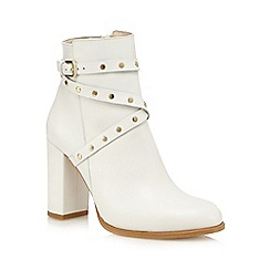 Faith - Off white 'Billie' high studded ankle boots