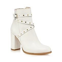 Faith - Off white 'Billie' high studded ankle boots