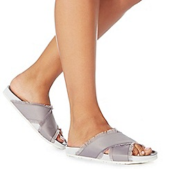 Faith - Silver 'Jaffa' flip flops
