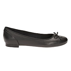 Clarks - Black leather' couture bloom' pumps