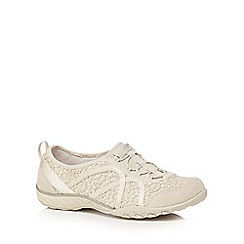 Skechers - Cream lace 'Breathe Easy Sweet' trainers