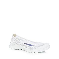 Skechers - White lace 'Ex Flex 3.0 Majesty' slip-on trainers