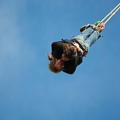 Gift Experiences - Lovers Leap - a bungee jump for two with bubbly