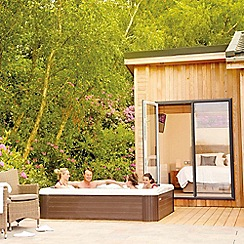 Gift Experiences - Lodges with Hot Tubs by Hoseasons