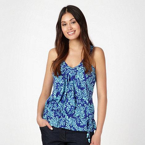 Mantaray - Blue floral print frill hem vest