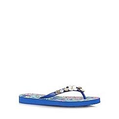 Mantaray - Navy floral button flip flops
