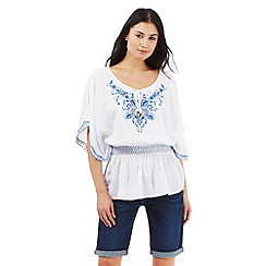 Mantaray - White embroidered detail gypsy top