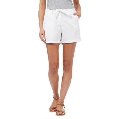 Mantaray White embroidered detail shorts