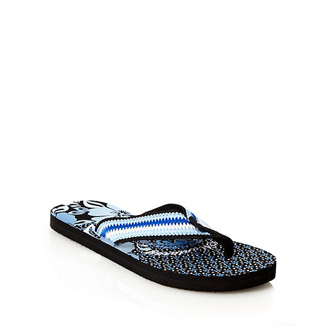 Mantaray - Blue floral printed flip flops