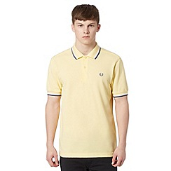 Fred Perry - Pale yellow tipped collar regular fit polo shirt