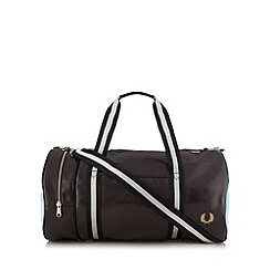 Fred Perry - Dark brown classic barrel bag