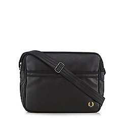 Fred Perry - Black grained shoulder bag