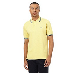 Fred Perry - Yellow twin tipped regular fit polo shirt