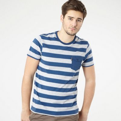 Blue block stripe pocket t-shirt