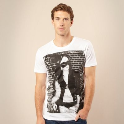 Cinch White music icon t-shirt product image