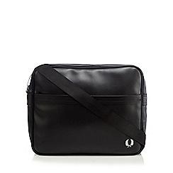 Fred Perry - Black textured shoulder bag