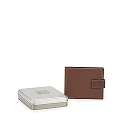 The Collection - Brown leather data protection wallet in a gift box