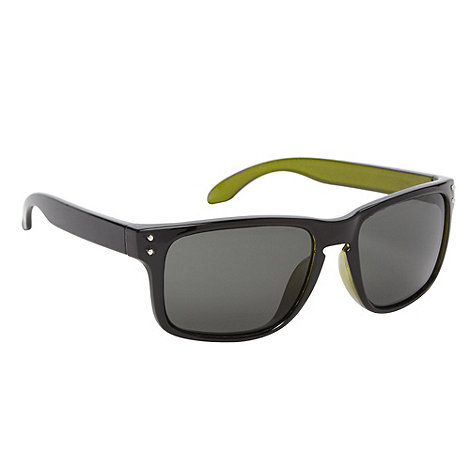 Red Herring - Green tinted plastic keyhole sunglasses
