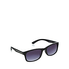 Maine New England - Small plastic D-frame black sunglasses
