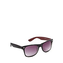 Red Herring - Inner red checkerboard d frame shiny black sunglasses