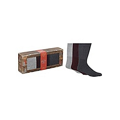 Mantaray - Pack of three assorted boot socks in a gift box
